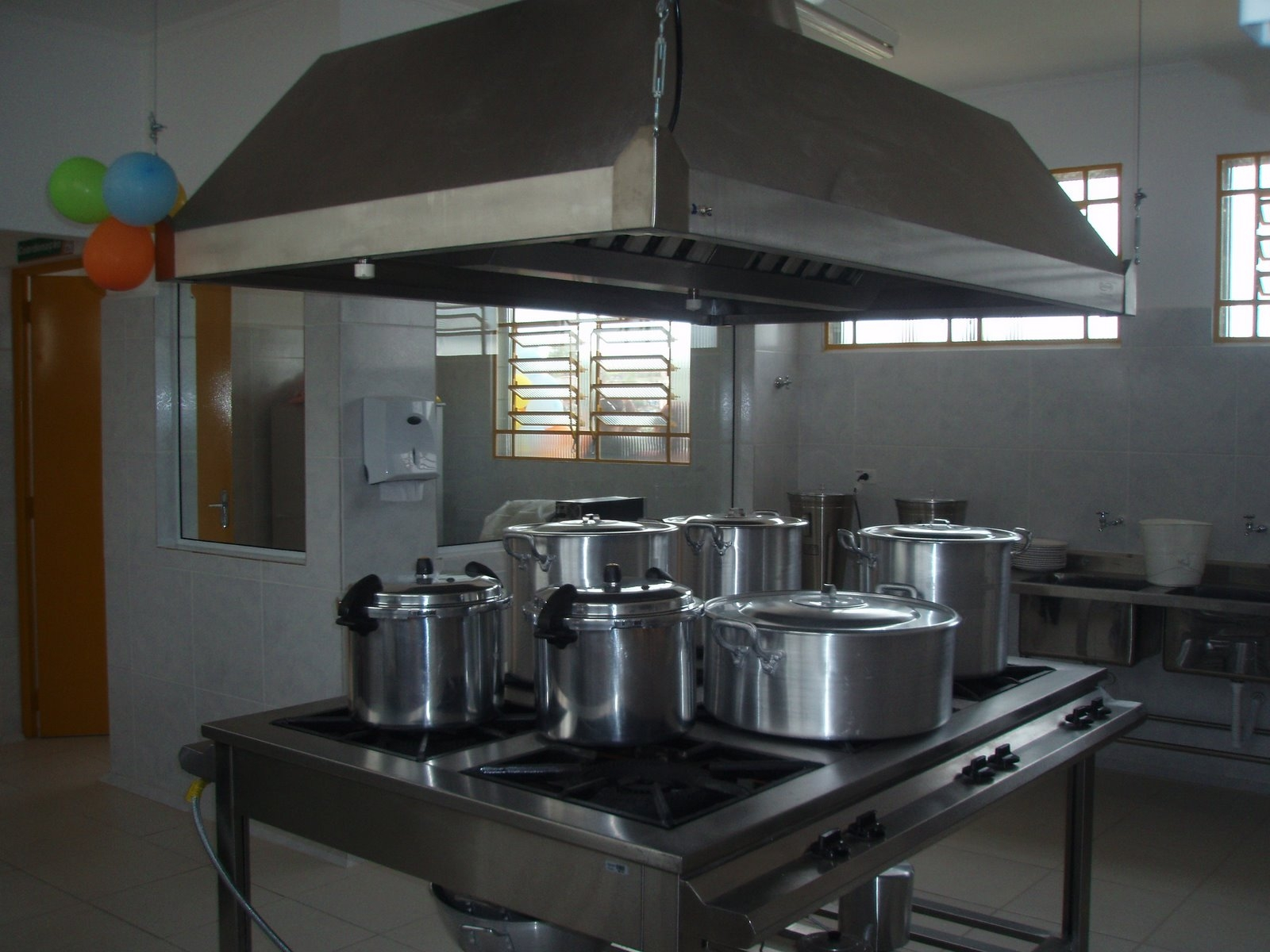 para usuários cadastrados na Cozinha Comunitária. O projeto  #623C27 1600 1200